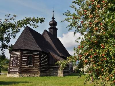 Maršíkov - Srubový celodřevěný kostel sv.Michaela_4